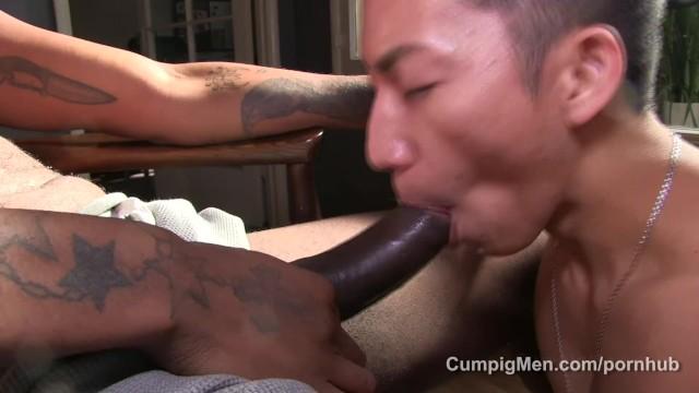Free gay cocksucking cumming movies Sexy asian cocksucker blows megahung black stud