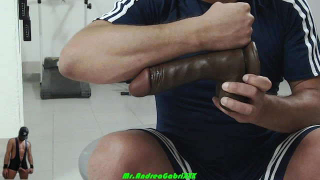 Xtube lesbo Andrea gabrixxx - caught straight guy exsperiments with dildo in gym
