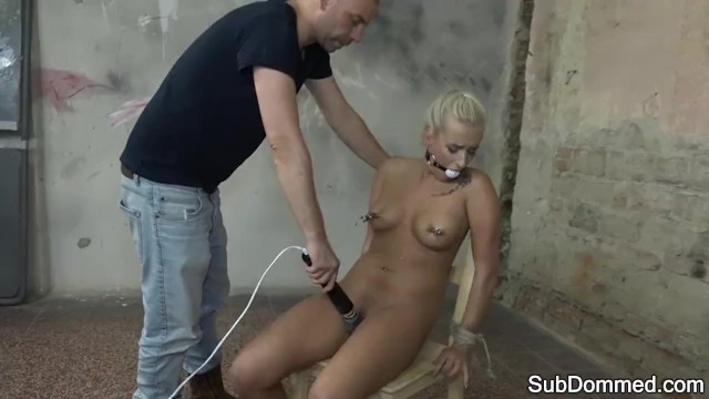 Ballgagged slave babe gets toyed by maledom