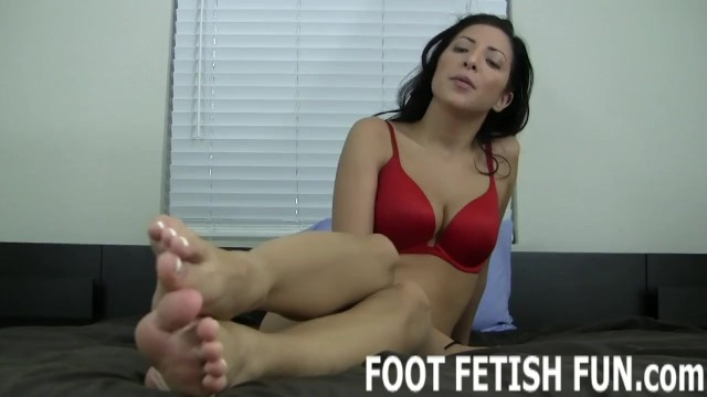 Sexy feet and toe sucking Femdom foot fetish fantasy and toe sucking porn