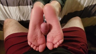 Stepsister Smelly Footjob