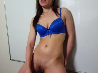 you must see-strong orgasm with big black dildo