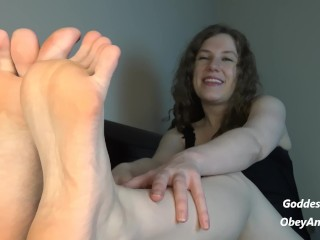 De mauvaises jambes salope lesbienne esclave de pieds