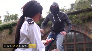 Brazzers - British cop Elicia Solis entraps some big cock Mom hardcore