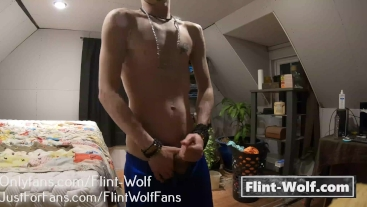 ADORABLE TWINK JERKING OFF (onlyfans.com/Flint-Wolf)