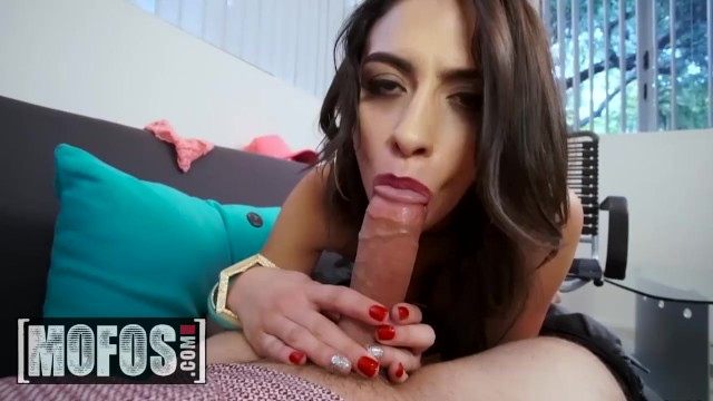 MOFOS – Fuck me daddy, I wanna be famous