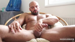Maskurbate Straight Euro Male Masturbates When Girlfriend Leaves
