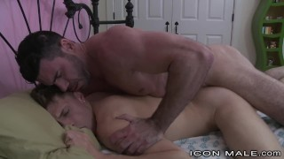 IconMale Muscle Bear Daddy Sneaks In College Boy's Room !