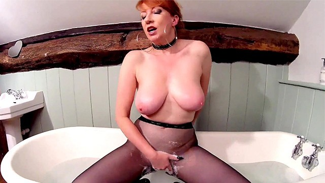 Red XXX playing with her pussy while in pantyhose