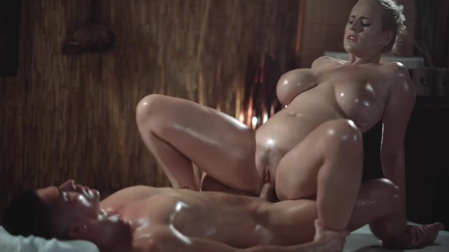 Sexy and romatic Massage rooms sexy milf with huge natural tits gives oily titwank