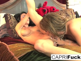 Capri Cavanni and Jessica Jaymes fuck each other