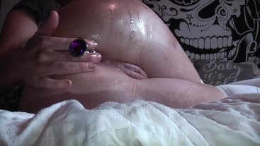 Oiling up my ass, and trying out my anal plugs and glass dildo