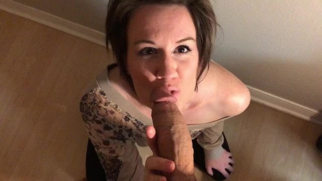 Onions give facial hair Short haired milf gives amazing blowjob and gets facial
