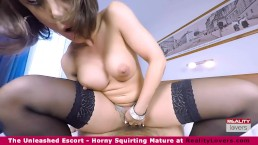 The VR squirting escort Betty Fox