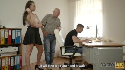 DADDY4K. Daddy finds a right moment to seduce young lovely girl