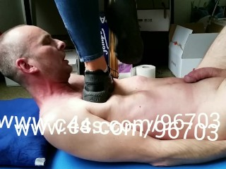 Swinger Moms First Time Sex Tube Brutal Trampling with Nike Huarache Trailer