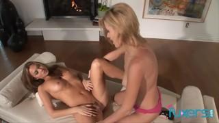 Carli Banks and Valentina Vaughn lezzie