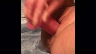 Milf Fucks herself and has giant squirt