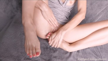 I masturbate my pussy by my toes and lick my toes and foot after orgasm!