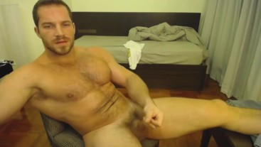 Guy With Perfect Body shows His Big Muscles While Jacking Off