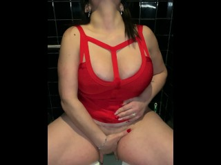 GORGEOUS BRUNETTE ON PUBLIC TOILET GETS HUGE BOOBS CUM COVERED