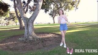 Настоящие подростки – узкая киска Addee Kate ебется в стиле POV