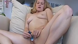 Cute Amateur Blonde Gets Off With A Vibrator