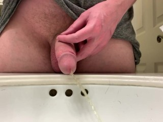 Quick piss in the sink