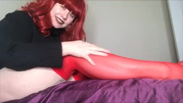 Worship my Legs on Vday in Stockings and bare legs