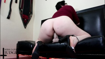 Big Booty Size Queen Fucks Real Cock