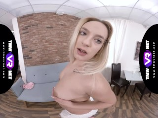 TmwVRnet.com - Jessica Diamond - Long day with fingers in pussy