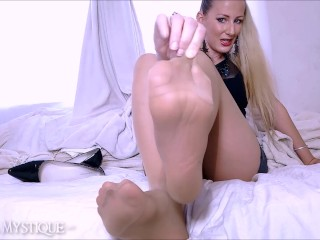 Cum for My Pantyhose Covered Feet: femdom pov foot domination joi countdown