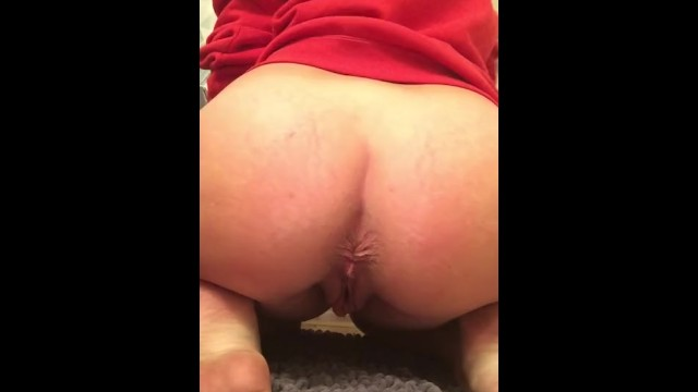 Pussy rubbung Pussy rubbing