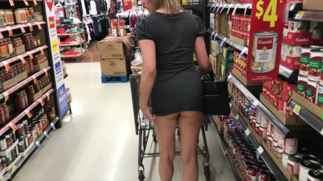 Shes Wearing That Into Walmart Milf Nude In Public -6794
