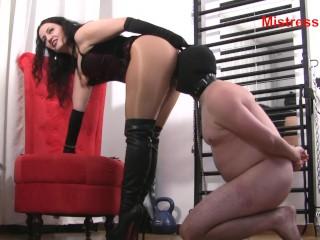 Brunette gives amazing blowjob slave nipples whipping kink butt whipping female supremacy face slapp
