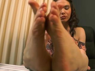 Busty Brunette Paints Toenails Foot Fetish Ignore