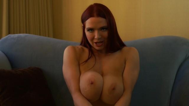 velký penis ve velkých prsou