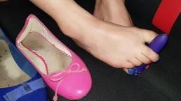 Flat shoes footjob and toes licking