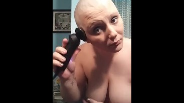 Topless bald girl razor shave cleanup