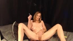 Sexy Milf Smoking 120 pussy play