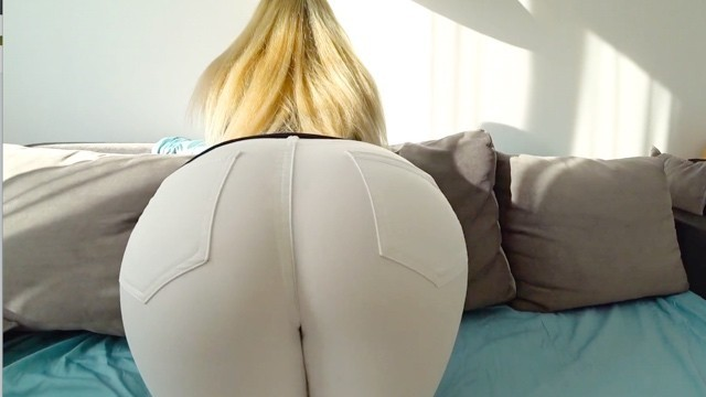 Girls in thongs getting fucked creampie - Young girl with big ass gets fucked through jeans and thongs