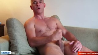 Str8 dad serviced by a guy in a porn ! Hardcore style