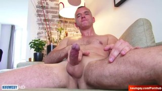Str8 dad serviced by a guy in a porn ! Hotgold tits
