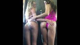 Sous la douche avec Clea Gaultier et Angel Emily