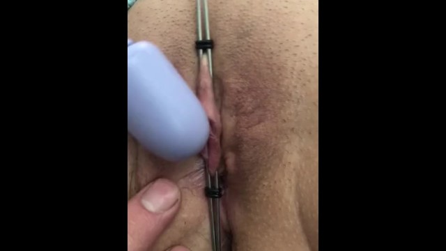 Clit labia - Clamped clit and labia gives a pulsating orgasm at 6:36