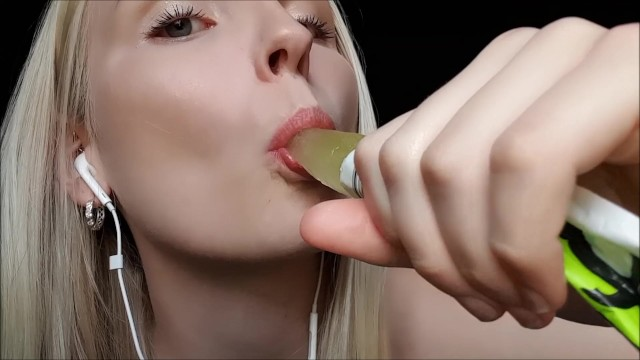 Visual sexual Visual stimulus to make you cum hands free sucking on your ice block