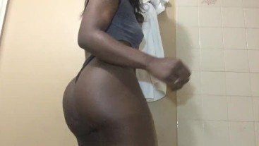 BET YOU DONT WANT TO LET GO OF MY JUICY EBONY ASS