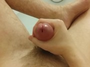Amateur Guy Masturbating Taking a Bath - Slow Flowing Cum and Huge Cumshot