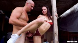 Mofos - Aidra Fox gets fucked by a big dick outside