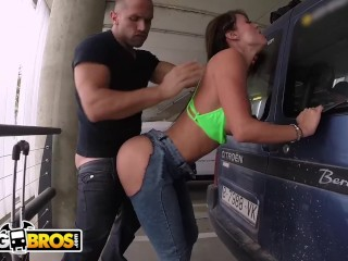 BANGBROS – Public Anal Sex In Airport Garage With PAWG Franceska Jaimes